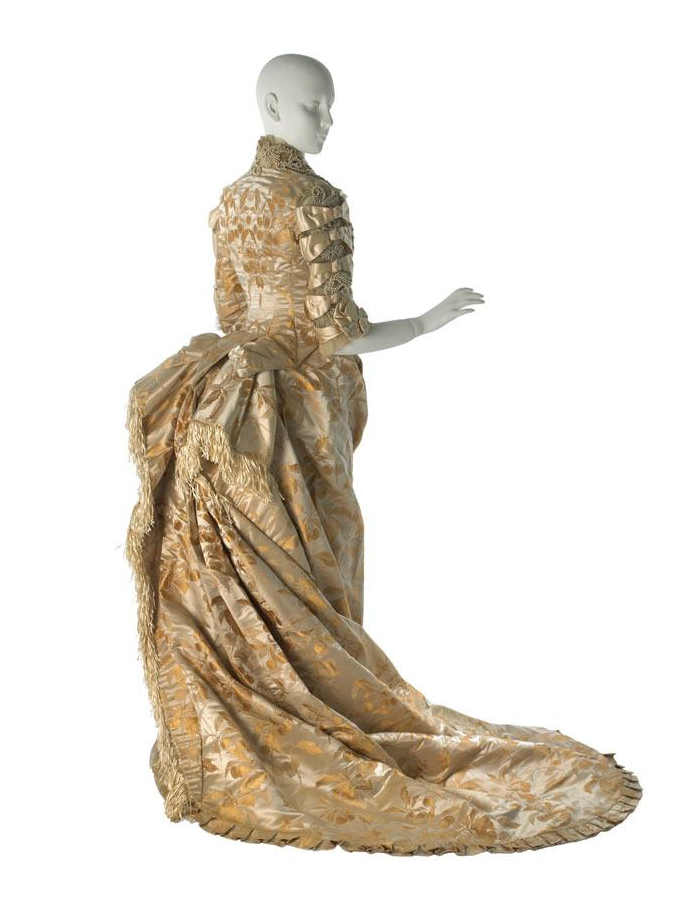 satin-damask-wedding-gown_gilded-new-york_museum-of-the-city-of-new-york