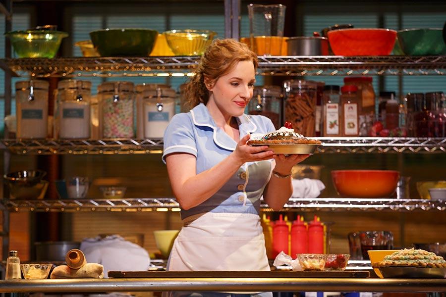 waitress1815r