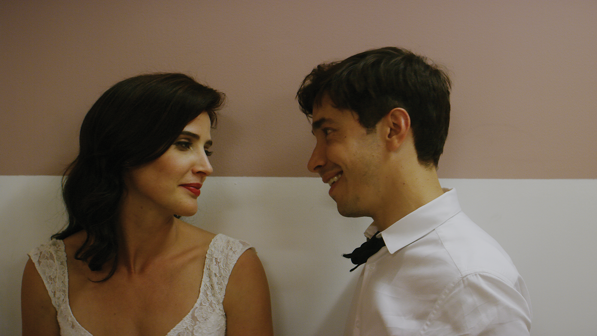Cobie Smulders as Allison and Justin Long as Adam in LITERALLY, RIGHT BEFORE AARON. Photo credit: Seamus Tierney.